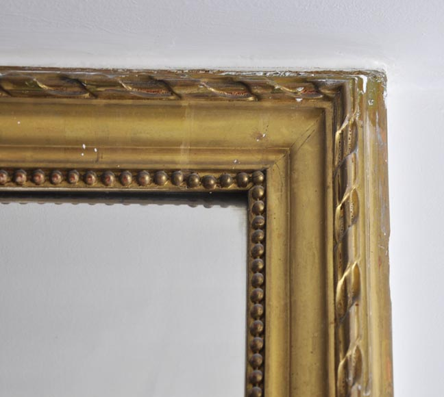Antique gilded mirror decorated with pearl and ribbons friezes -2