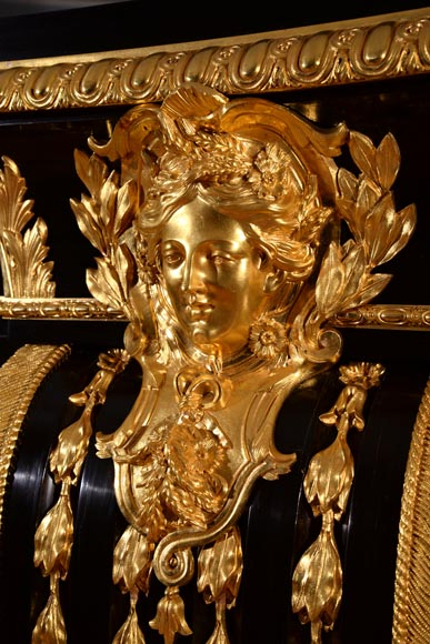 Alexandre BELLANGÉ - Important cupboard, ebony veneer and gilded bronze, coming from the Chateau of Dampierre-10