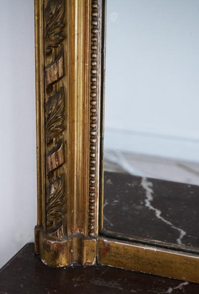 Antique gilded Trumeau, in the Louis XVI style, decorated with pearls and ribbons-3