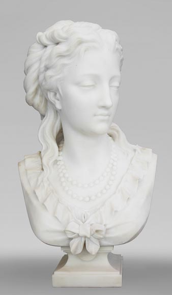 Eugène Antoine AIZELIN (1821-1902) - Woman's bust with necklace, in Carrara marble-0