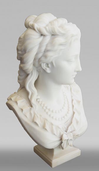 Eugène Antoine AIZELIN (1821-1902) - Woman's bust with necklace, in Carrara marble-2