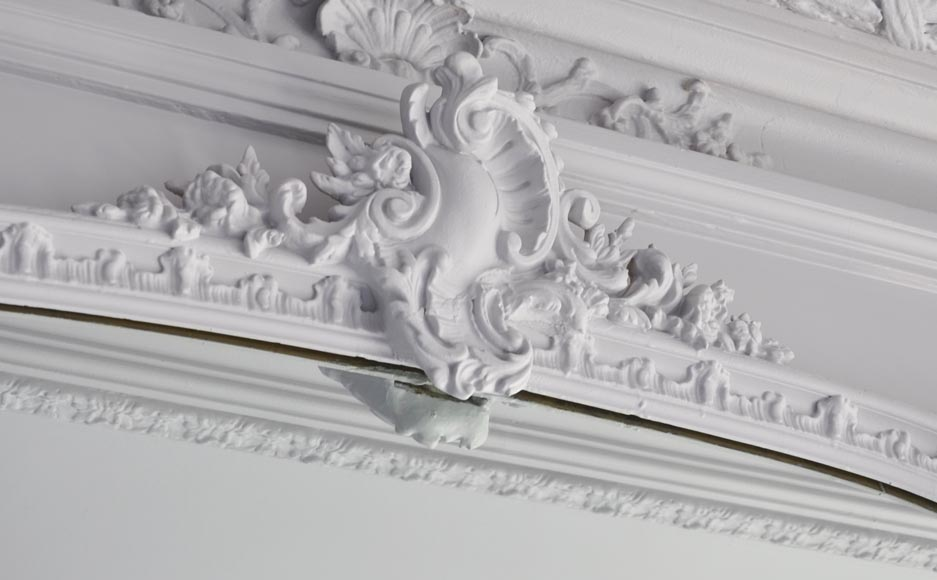 Antique Louis XV style trumeau, with an asymmetrical shell on the pediment-2