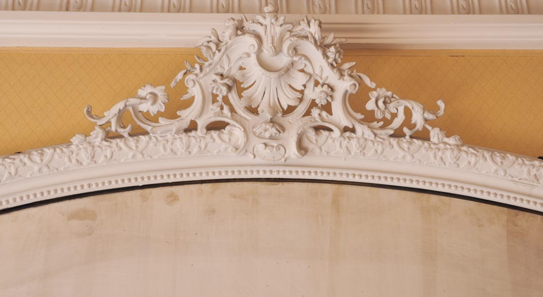 Antique Regency style trumeau with an openwork pediment adorned with a large shell-1