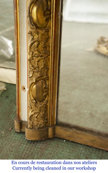 Trumeau with a rounded mirror decorated with a shell and a Regency frieze-6