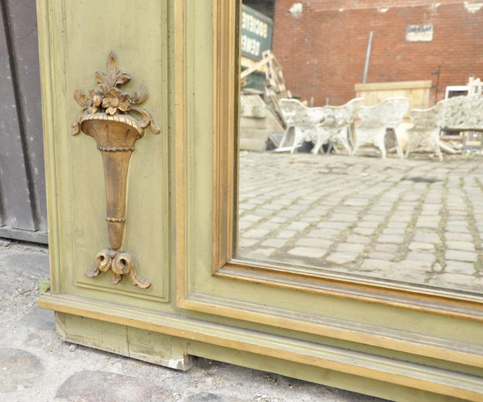 Beautiful antique Louis XVI style pier glass with basket decor and flowers in gilded stucco and green lacquer-6