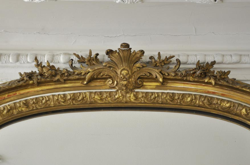 Important antique Louis XV style overmantel pierglass in gilded stucco with leafy shell decor-1