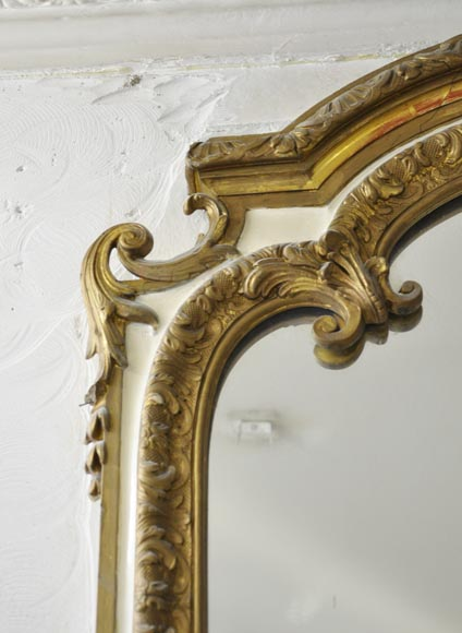 Important antique Louis XV style overmantel pierglass in gilded stucco with leafy shell decor-2