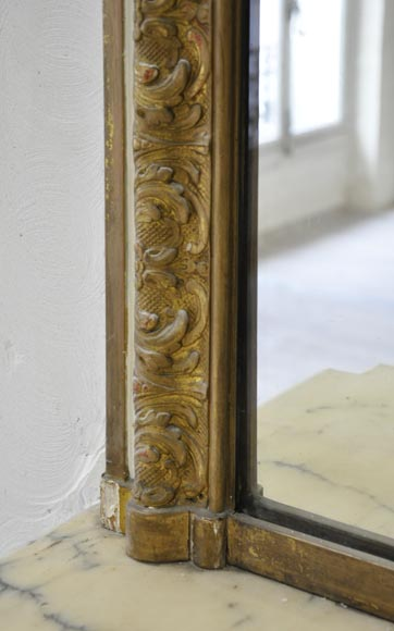 Important antique Louis XV style overmantel pierglass in gilded stucco with leafy shell decor-4
