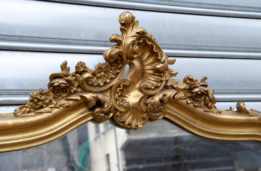 Antique gilded Louis XV style trumeau carved with a beautiful shell-2