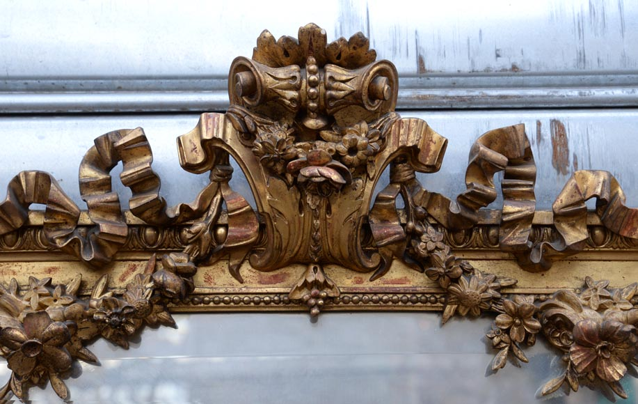 Beautiful antique Napoleon III style mirror in gilded stucco with garlands of flowers-1