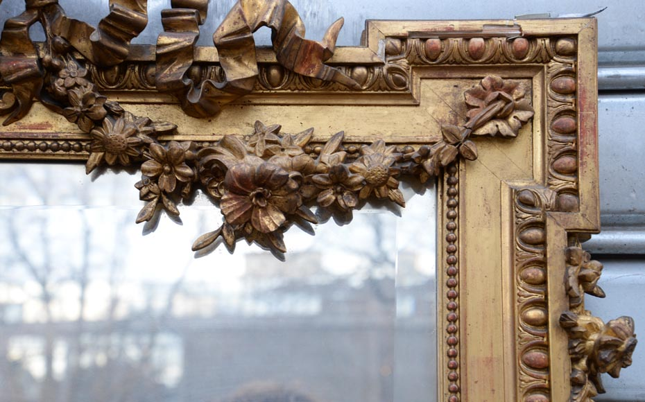 Beautiful antique Napoleon III style mirror in gilded stucco with garlands of flowers-3