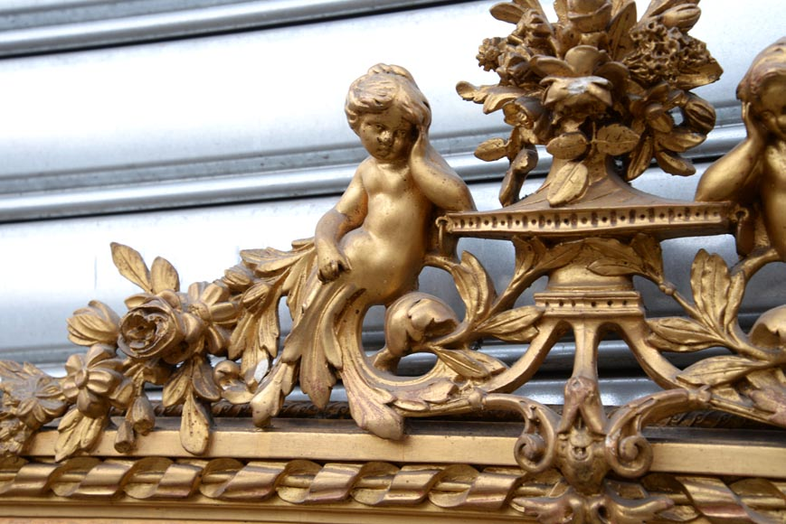 Beautiful antique Napoleon III style trumeau with putti and flowers decor in gilded stucco-2