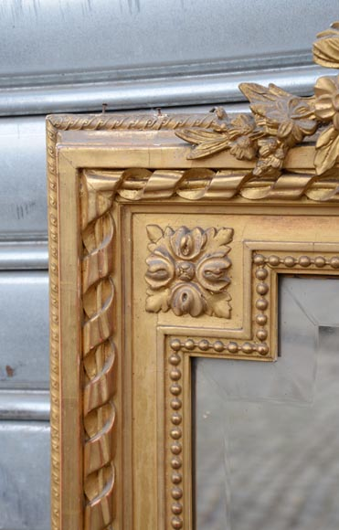 Beautiful antique Napoleon III style trumeau with putti and flowers decor in gilded stucco-5