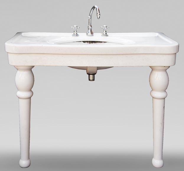 Two-footed earthenware washbasin-0