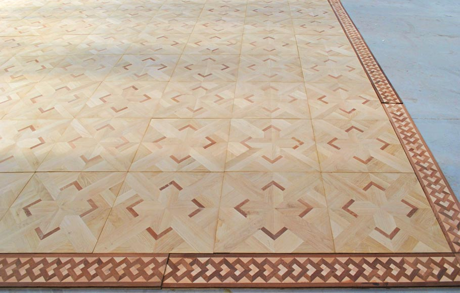 Beautiful antique oak and mahogany parquet flooring with its inlaid frieze-3