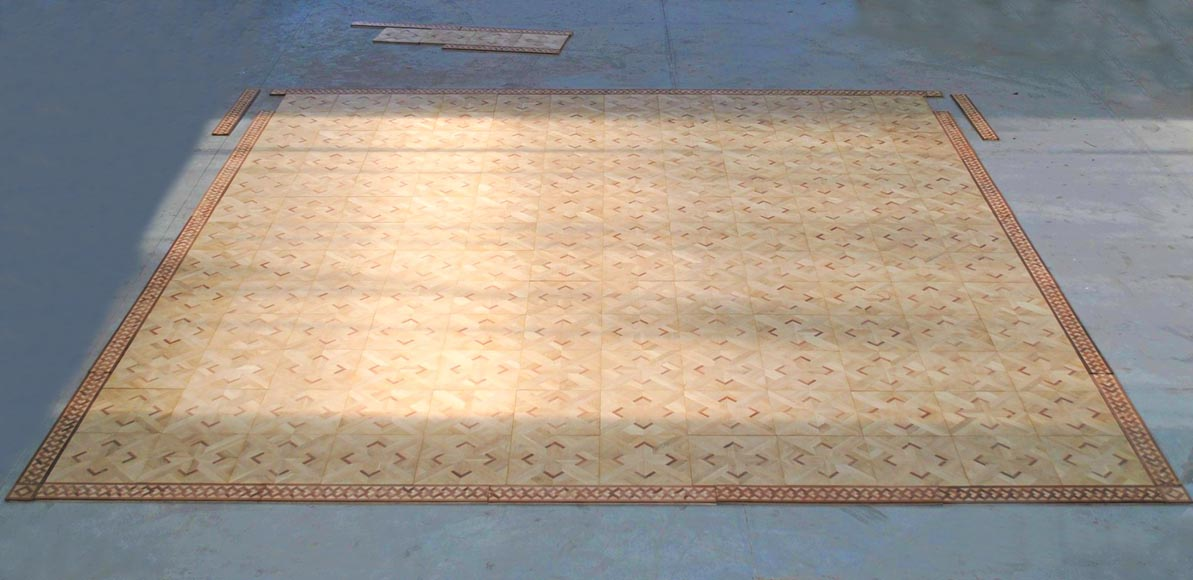 Beautiful antique oak and mahogany parquet flooring with its inlaid frieze-4