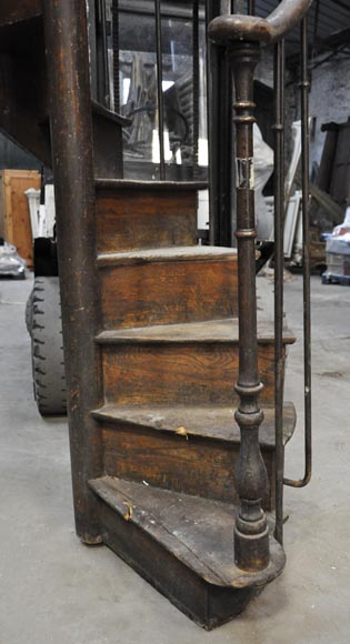 Rare Oak spiral staircase, 19th century-2