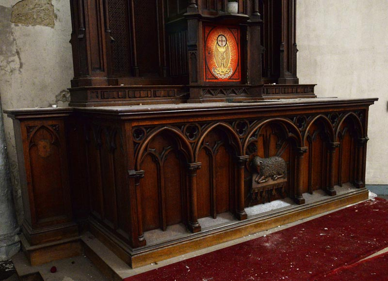 Large church altar and in Neo-Gothic style, made of oak-4