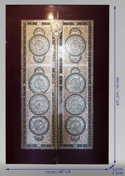 Pair of lacquered sliding double doors with mother-of-pearl decor-13
