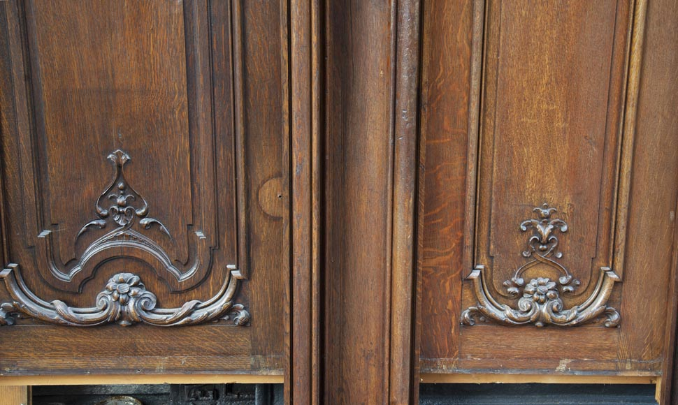 Set of carved oak panelling from the end of the 19th century-14