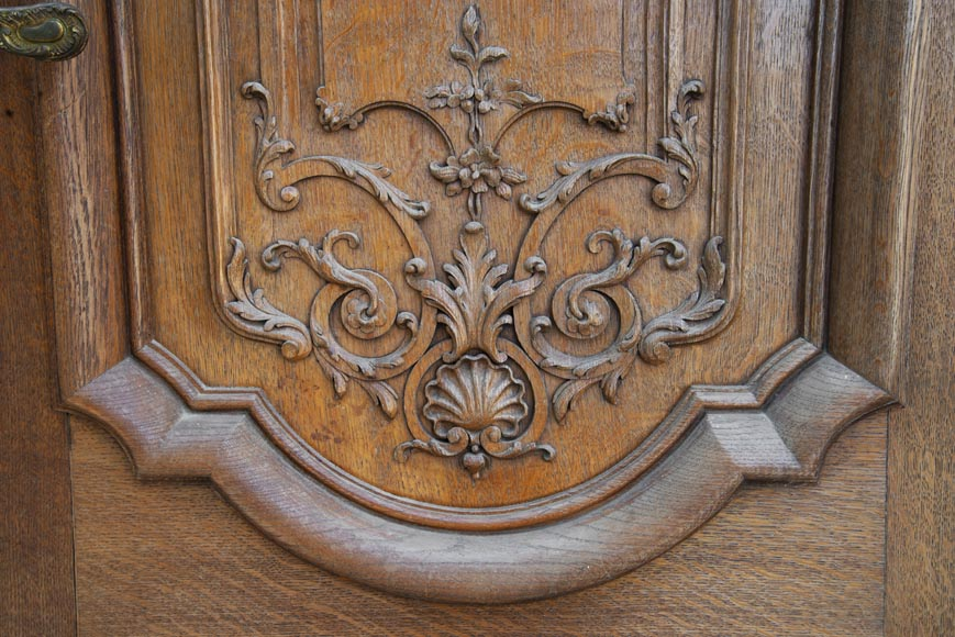 Important carved oak panelling from the 19th century-9