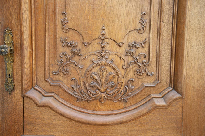 Important carved oak panelling from the 19th century-13