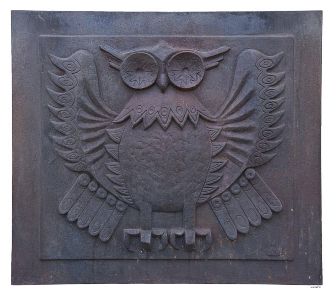 Art Deco style fireback representing an owl signed Lucas-0