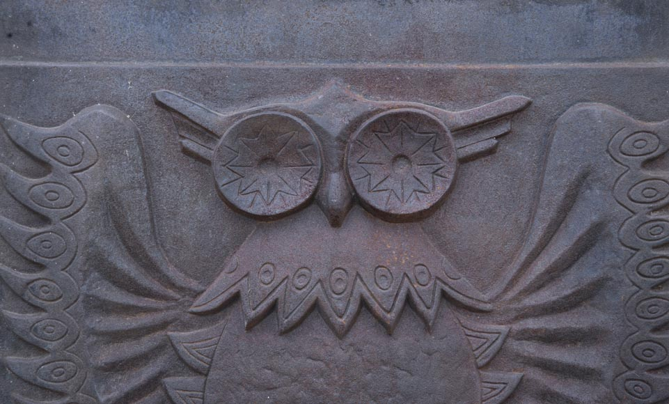 Art Deco style fireback representing an owl signed Lucas-1