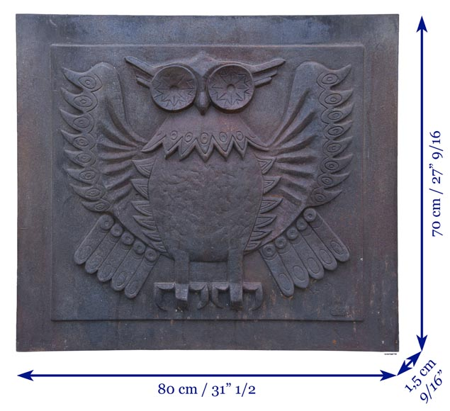 Art Deco style fireback representing an owl signed Lucas-7