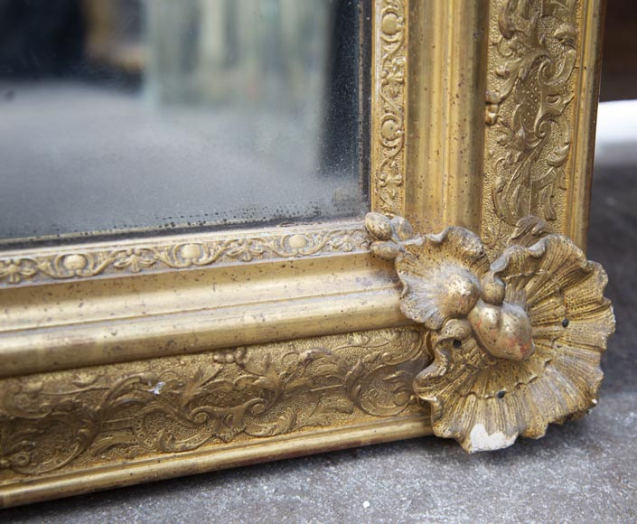 Antique gilded trumeau from the Restoration period decorated with shells-4