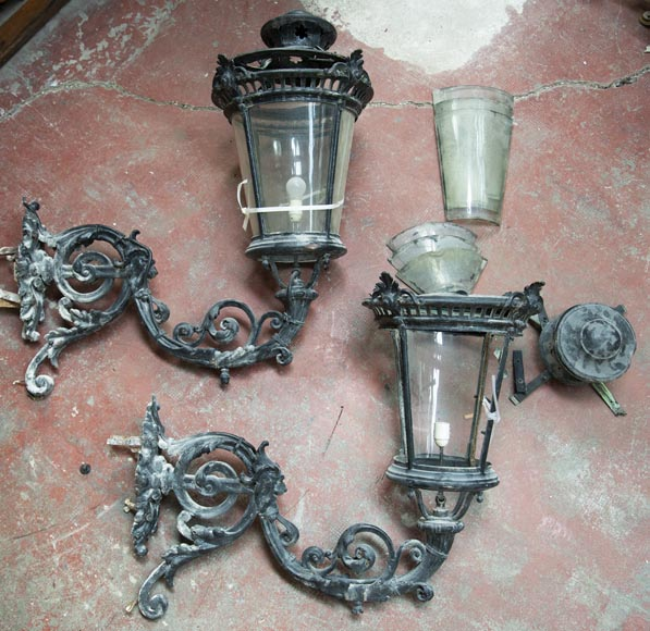 Pair of antique Napoleon III period lanterns with lion head decoration-2