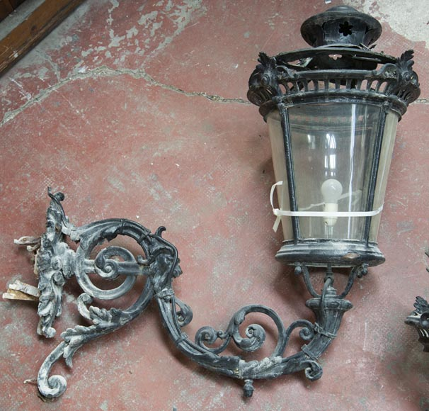 Pair of antique Napoleon III period lanterns with lion head decoration-3