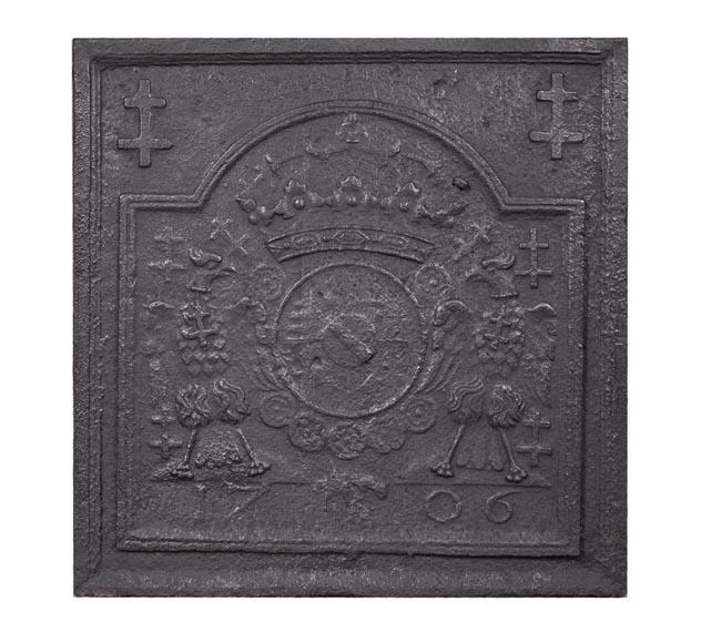 Cast iron fireback with coat of arms of Lorraine, dated 1706-0