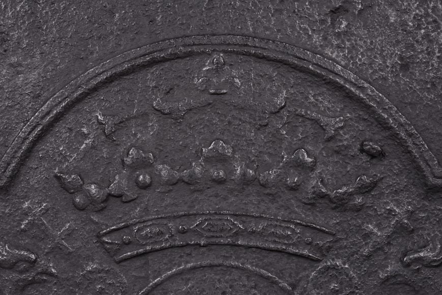 Cast iron fireback with coat of arms of Lorraine, dated 1706-2