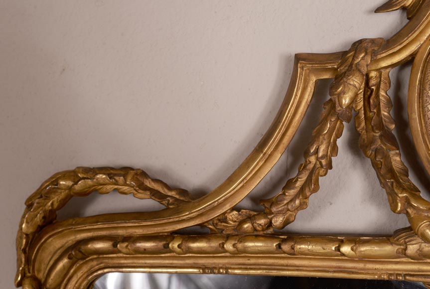 Antique Napoleon III style gilded wood trumeau carved with a profile decoration in a medallion-2