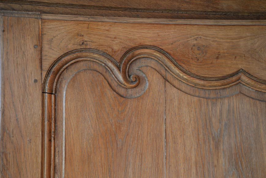 Oak woodwork composed of elements from the 18th century-3