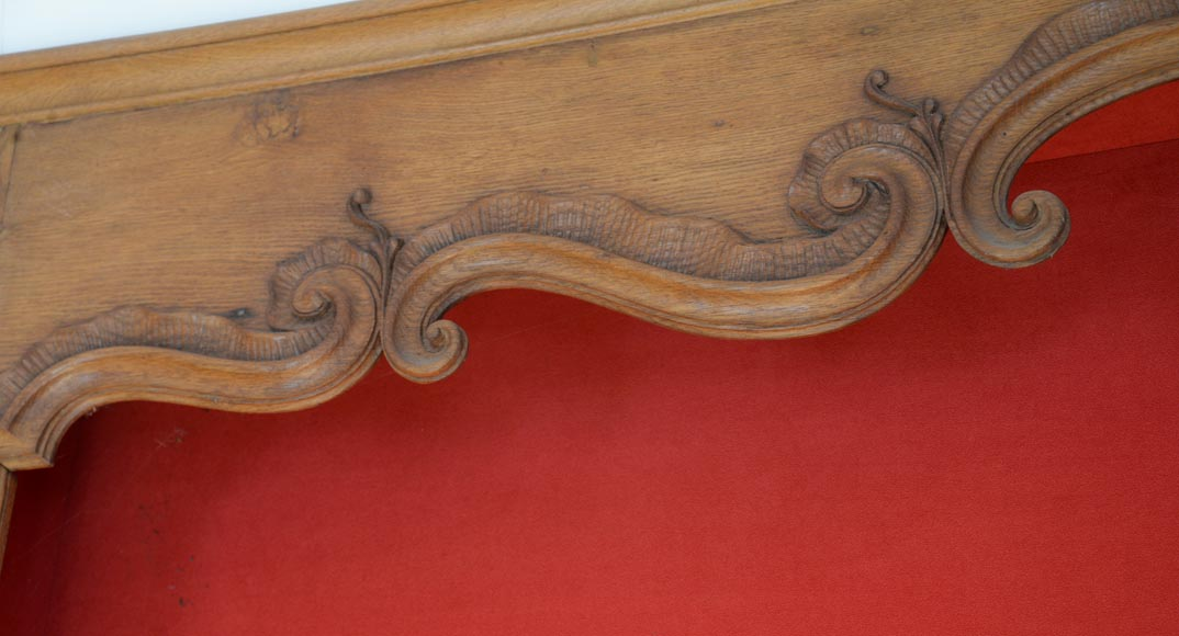 Oak woodwork composed of elements from the 18th century-8