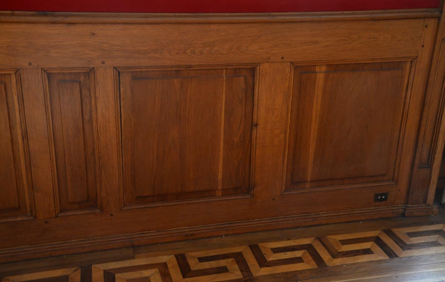 Oak woodwork composed of elements from the 18th century-13