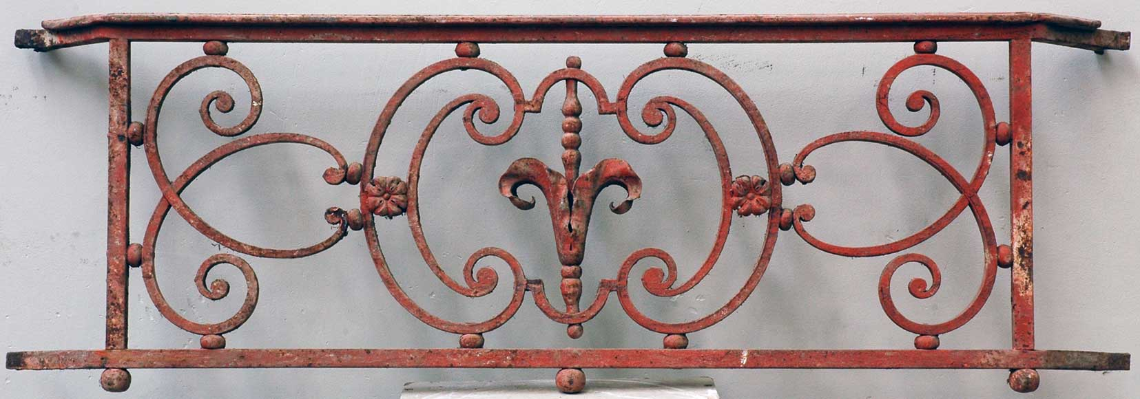Single 18th century iron balcony railing. - Reference 1250