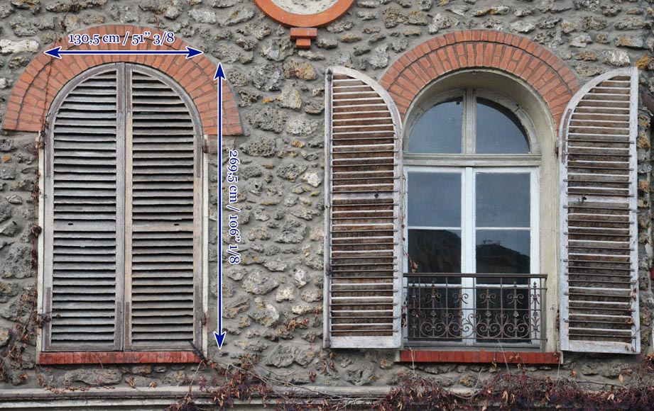 Two pairs of wooden shutters -8