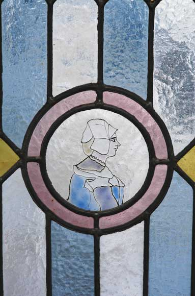 19th century stained glass window with profiles of Bretons-1