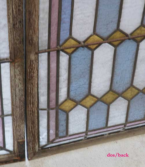 19th century stained glass window with profiles of Bretons-5