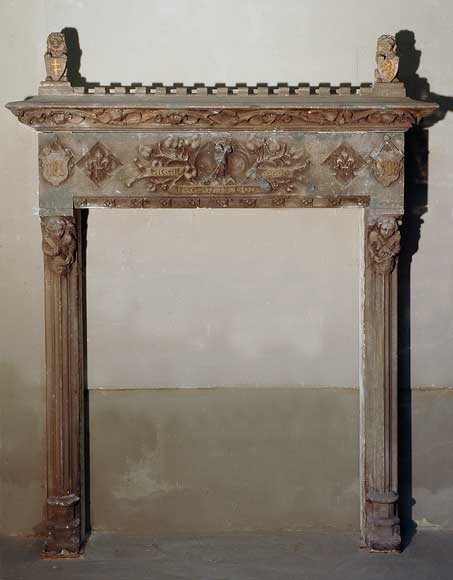 Stone Neo-Gothic mantel dated 1908 - Reference 1486