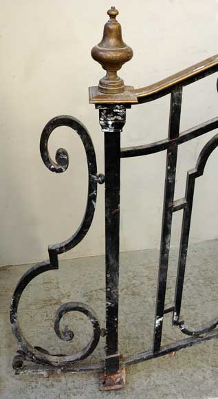 Cast iron banister with brass hand rail-10