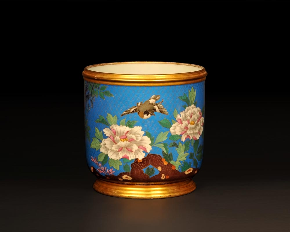 ESCALIER DE CRISTAL, Cache-pot with Japanese-inspired decoration  with trompe l'œil cloisonné-0