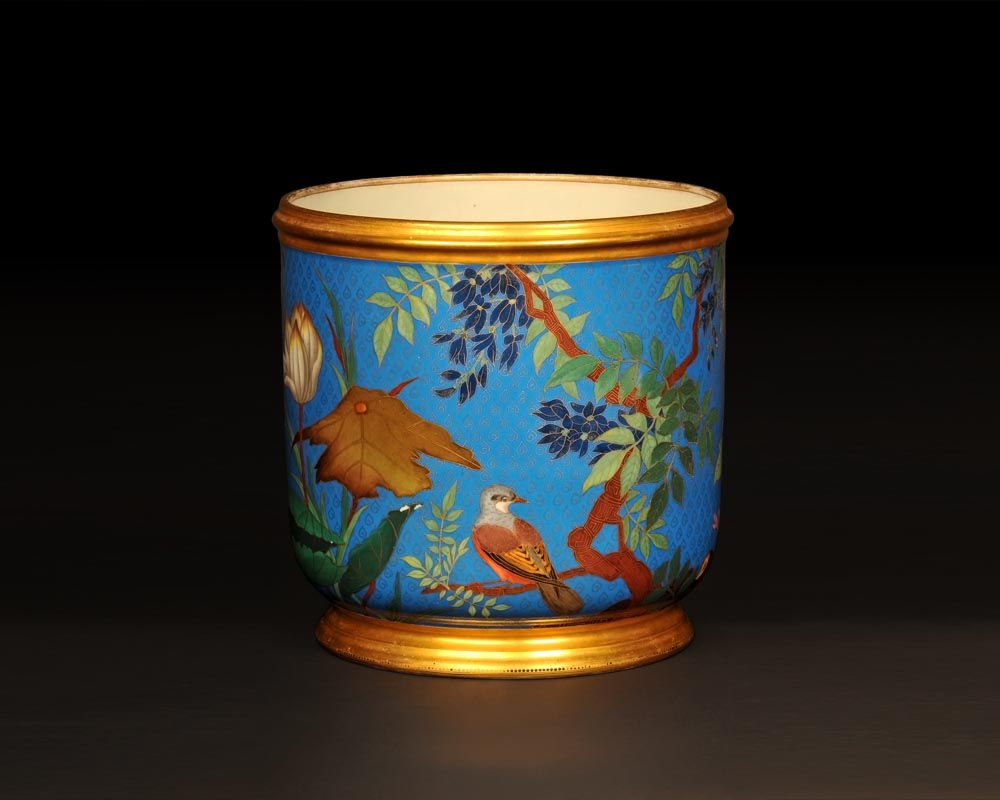 ESCALIER DE CRISTAL, Cache-pot with Japanese-inspired decoration  with trompe l'œil cloisonné-1
