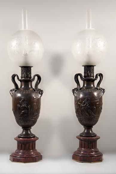 Ferdinand BARBEDIENNE - Pair of Neo-Classic bronze lamps after a model by Clodion-0
