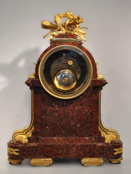 RAINGO FRERES - Louis XVI style clock made out of Red Griotte marble and gilded bronze-5