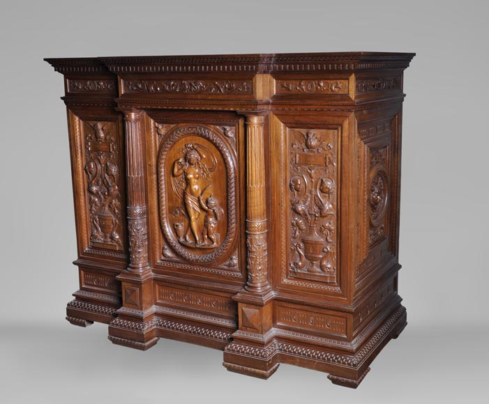 Egisto GAJANI - Very beautiful Neo-Renaissance style carved walnut wood piece of furniture dated from 1876-1