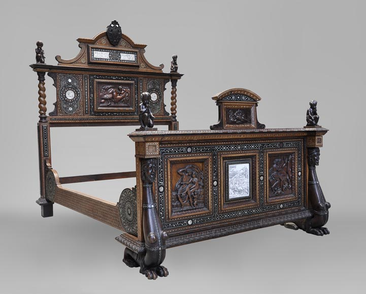 Ferdinando POGLIANI (att. to) - Rare Neo-Renaissance style bed made out of carved walnut and ebony veneer with ivory inlays-0